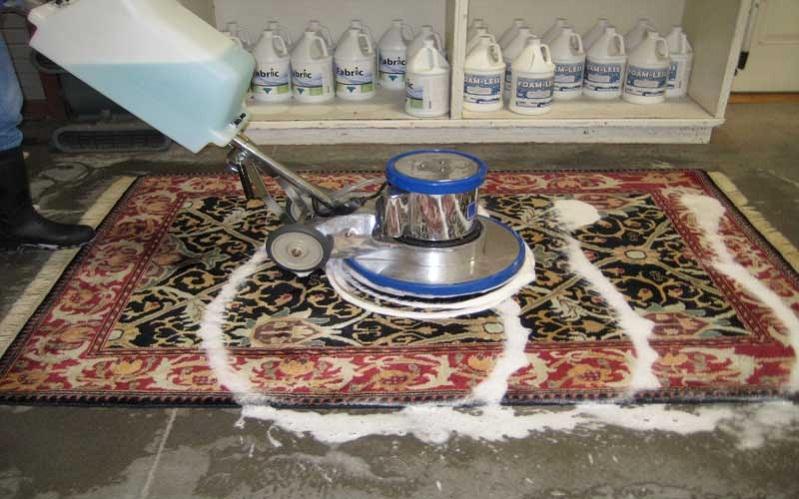 vệ sinh thảm trải phòng khách 3